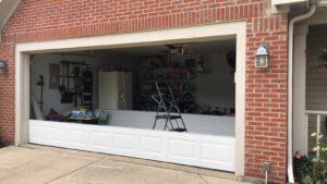 garage door IN